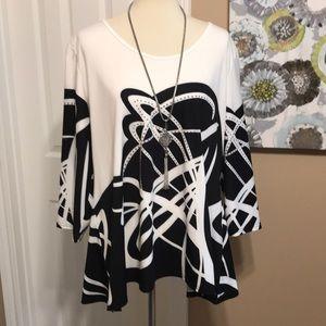 Tops - New size XXL tunic top black/ white ❤️